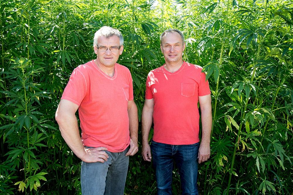 Die Hanfpioniere Günther Schmid (links) und Anton Hagenauer (rechts)