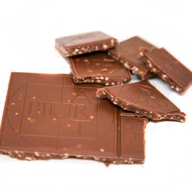 Bio Hanfschokolade Vollmilch mit Hanf von Hanfland in der 70g Packung aus Oesterreich, offen