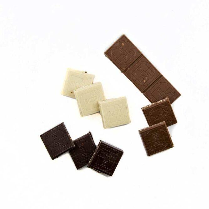 Bio Hanfschokolade set Vollmilch Zartbitter weiß offen mit Hanf von Hanfland aus Oesterreich