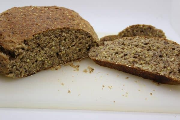 Brot Hanfbrot mit bio Hanfmehl und bio hanfsamen geschaelt aus premium hanf von hanfland
